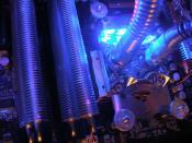 mächtig wichtig aussehende Heatspreader auf den RAMs