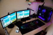 so sieht der PC-Tisch morgens aus :)