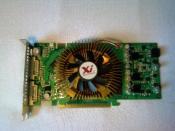 Meine GraKa von Palit.  GeForce 9600GT. Leicht übertaktet
