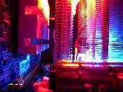 Kühler von X800GTO, Northbridge (Thermalright HR-05) und CPU, unten RAM. Noch ohne entkoppelte und gekühlte HDD oben.