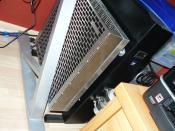 Schwarz lackiertes Holzgehäuse! im inneren-Netzteil, Pumpe und aussen der Radiator