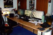 Der Schreibtisch.