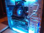 PC offen mit Licht