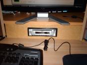 Autoradio im Schreibtisch xD