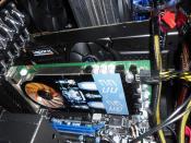 die HD5870 Vapor-X mit der geForce 9800GT als kleinen Helfer