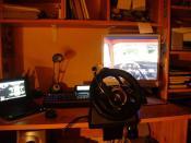 Mein Arbeitsplatz mit dem alten Speedlink Lenkrad