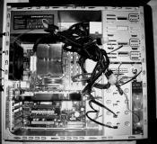 E8400 (3,8 Ghz) + 8800 GTX XXX + 4 GB Mushkin DDR2 + P7N-SLI + BeQuiet 450 Watt E7
