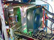 IFX-14    Kabel am Rand sieht man bei geschlossenem Case nicht ^^