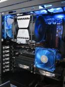 PC von innen ohne Seitenteil