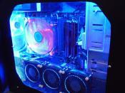 PC mit blauer Beleuchtung