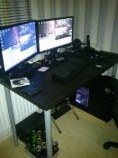 Neuer Schreibtisch und Pc wieder unten