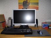 Monitor, Maus und Tastatur