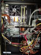 Jetzt mit Kabelmanagement...
