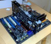 ausgebautes Board mit Graka CPU und RAM