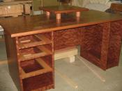 hier war ich noch am bauen vom Schreibtisch