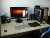 04/2011 - Schreibtisch nach dem Umzug in die neue Bude