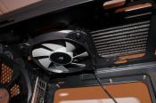 H100i verbaut in einem Coolermaster HAF XM Gehäuse, musste den 200mm Lüfter leider entfernen da das Mainboard den Platz für den Radiator und die Lüfter nicht zulässt.