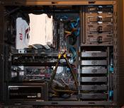 PC von innen (CPU-Kühler, Grafikkarte, etc.)