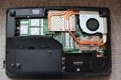 Hier mit den 3 Samsung 850 EVO SSDs (3x 250GB), der 1TB Samsung 850 EVO und der RAM Vollbestückung (32GB)