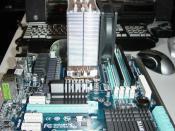 Mobo mit CPU, Speicher und Kühler